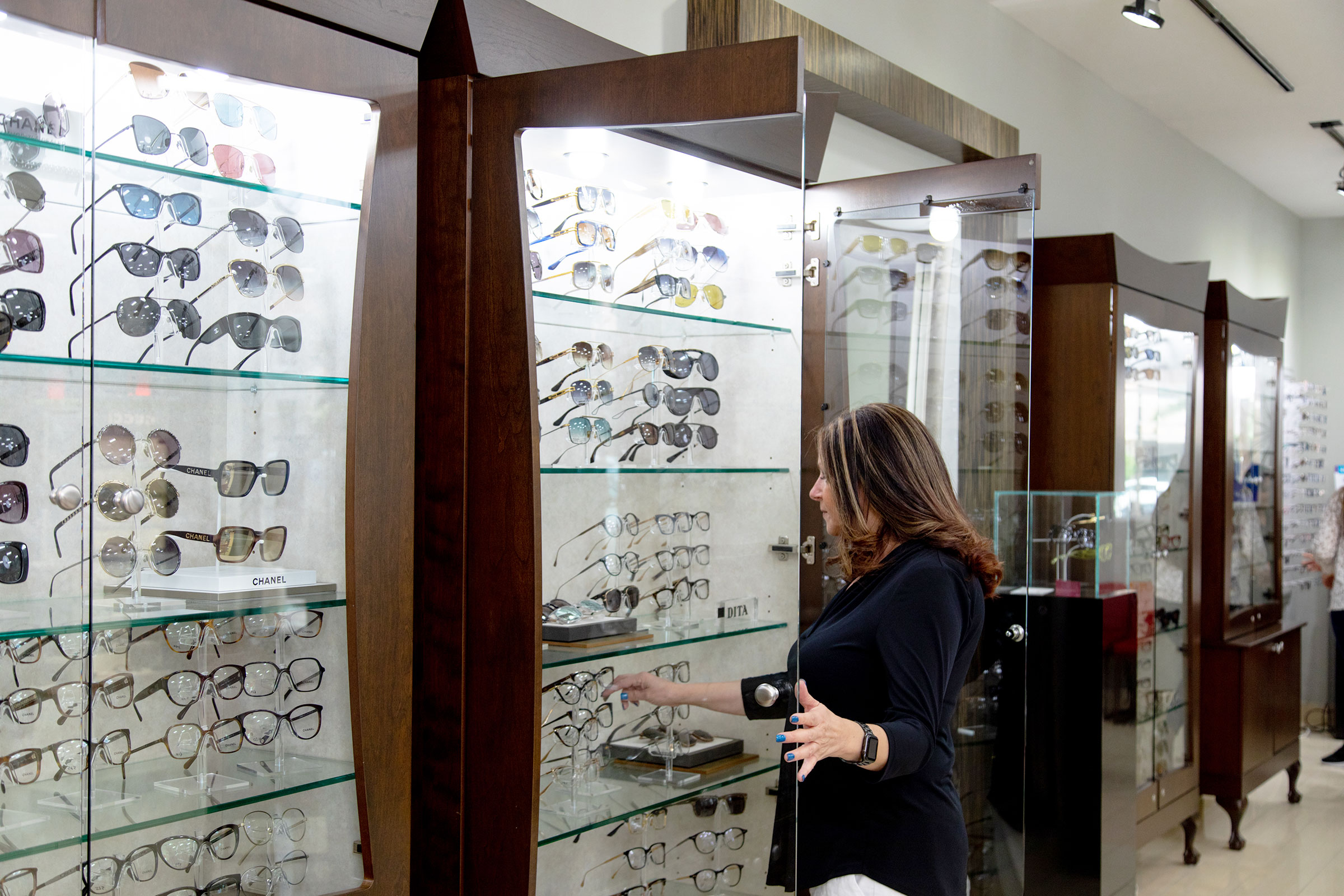 Choose The Perfect Designer Sunglasses For Your Lifestyle with The Help of Our Team